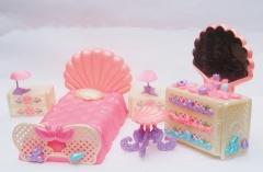 Lady Lovelylocks doll D bedroom