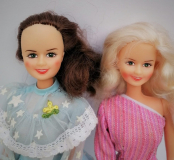 Barbie clone doll 1980s Susana pink and blue 2