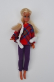 Pippa doll Britt, 1st issue, original outfit, perfect, scarf has some wear, no shoes