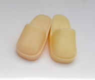 Sindy shoes htf clogs ivory