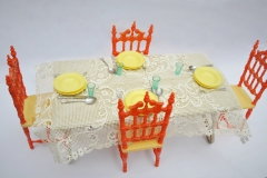 Barbie structure Principesa Milady Dining Room table